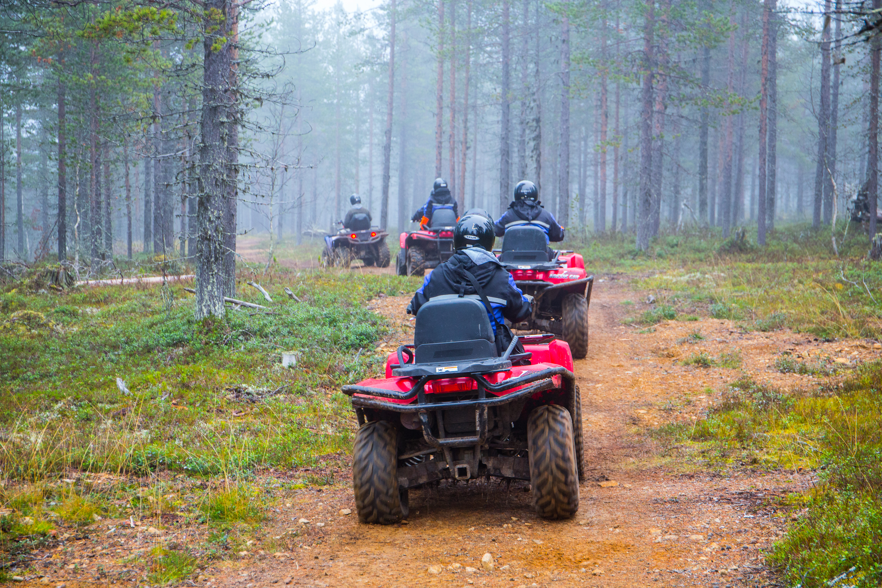 quad-bike-safari-kakslauttanen-autumn4