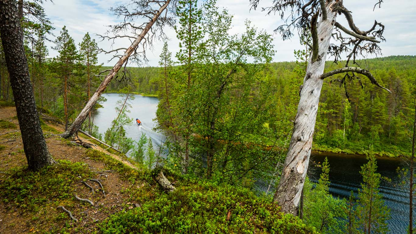 Cruise on Lemmenjoki river & visit at Sámi Museum