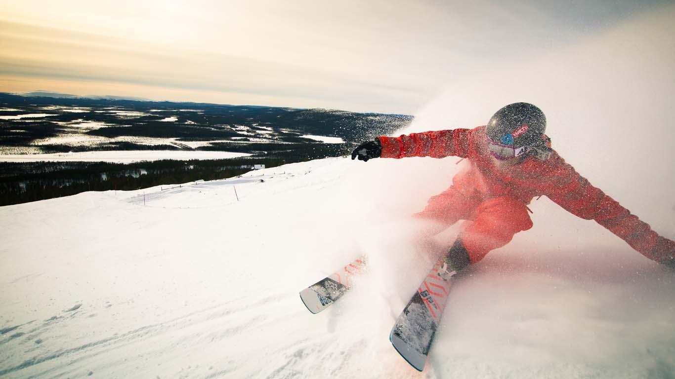 Abfahrtskilaufen und Snowboarding